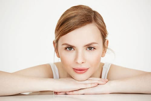 קרם ובוסטר מדוייקים לפנים – להחזיר את הרעננות לעור הפנים שלך